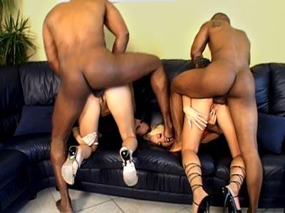 Negros follando rubias